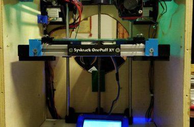 """Syskrack """"OnePuff"""" la stampante 3D Core XY nata all'interno di un cajon"""